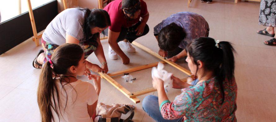 Mujeres elquinas son parte de taller de creación de telares a través de la Corporación de Cultura