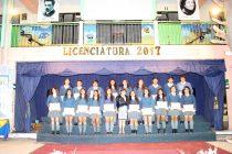 Con gran emoción estudiantes de 4to medio del liceo Carlos Mondaca vivieron su licenciatura
