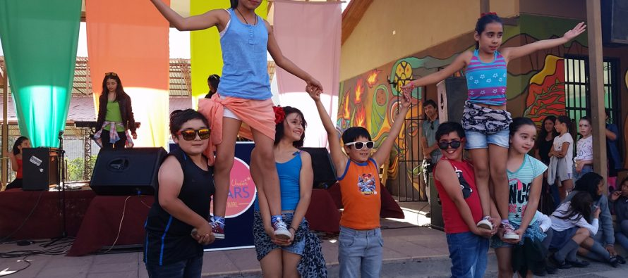 """Paihuano celebra su 8° Festival de la Canción """"Singing Under The Stars"""" junto a Fundación Educacional Oportunidad"""