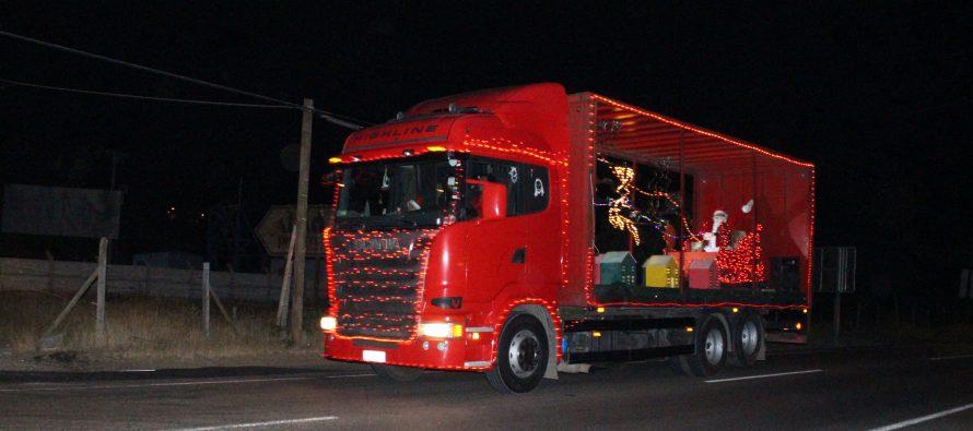 Caravana navideña alegró a niños y adultos en las comunas de Vicuña y Paihuano