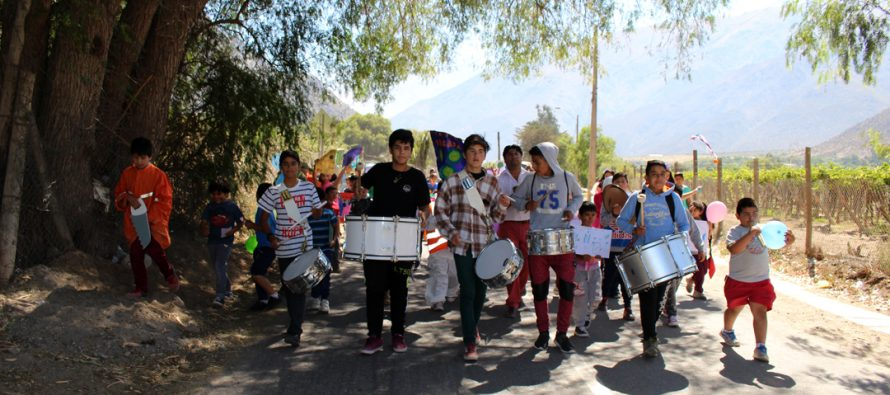Niños y niñas de Diaguitas realizan marcha en pro de la protección al medio ambiente