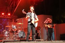 """El cantante nacional """"Gepe"""" dio el cierre a una exitosa Fiesta de la Cultura en Vicuña"""
