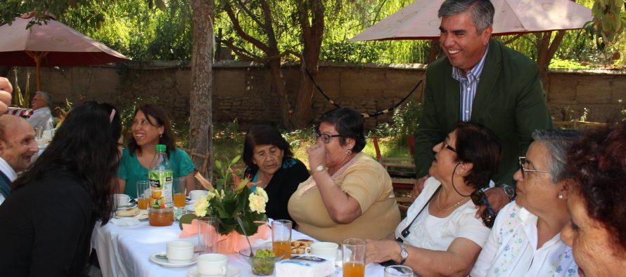 Adultos mayores de Vicuña celebrarán fiestas de fin de año con variadas actividades