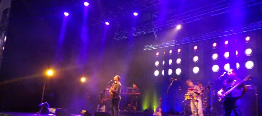 Kevin Johansen se presentó en un nuevo Pisco Mistral en Concierto en Pisco Elqui