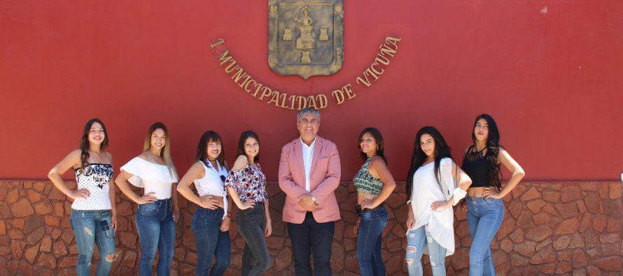 7 jóvenes vicuñenses buscaran quedarse con la corona del Carnaval Elquino 2018