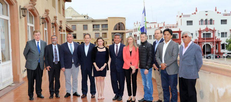 Empresarios españoles proyectan inversiones en energías renovables, turismo y eficiencia hídrica