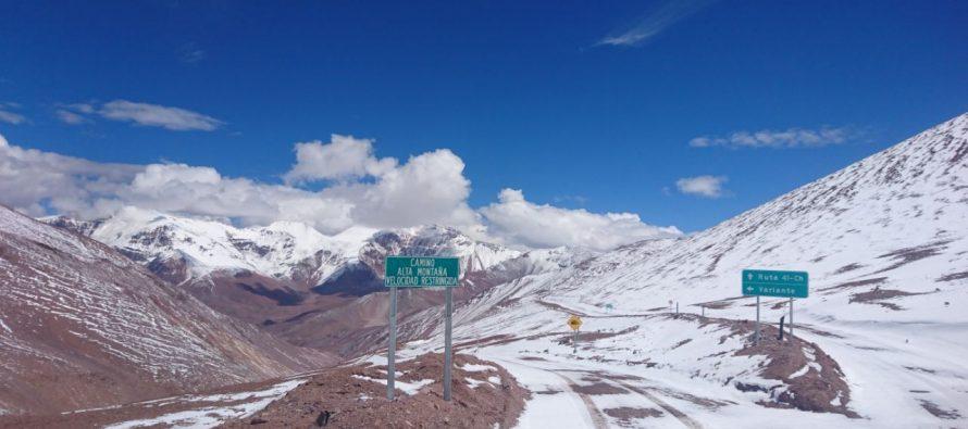 Paso Agua Negra se mantuvo cerrado este lunes por nieve y rodados: Vialidad trabaja para habilitar ruta