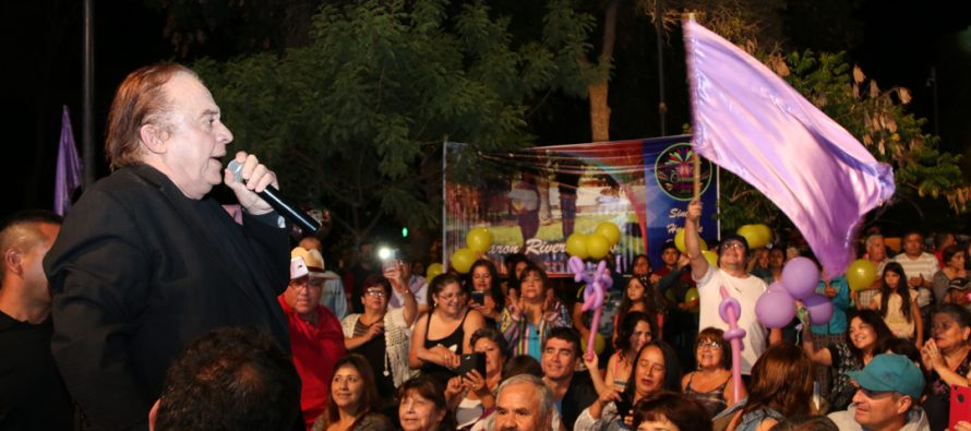 """El cantante Luís Dimas hizo vibrar al público elquino en la """"Noche del Recuerdo"""""""