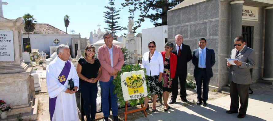 Con ofrenda y responso al fundador Joaquín Vicuña Larraín comenzó festejo de aniversario