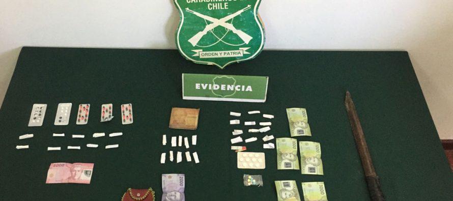 Microtraficantes detenidos con pasta base, psicotrópicos y arma blanca en Vicuña
