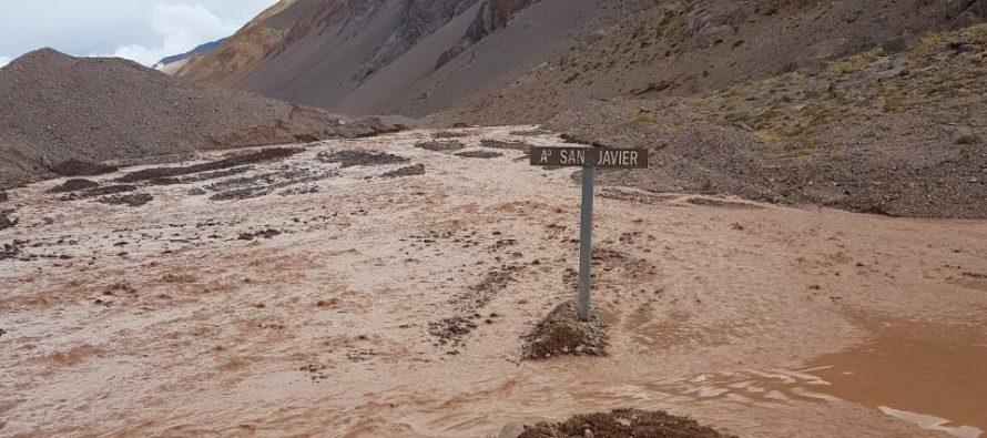 Aumento de caudales en ríos de Argentina obligó al cierre del Paso Agua Negra