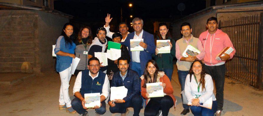 """Proyectos de """"Quiero Mi Barrio"""" se plasmaron en un libro que fue entregado a los vecinos"""