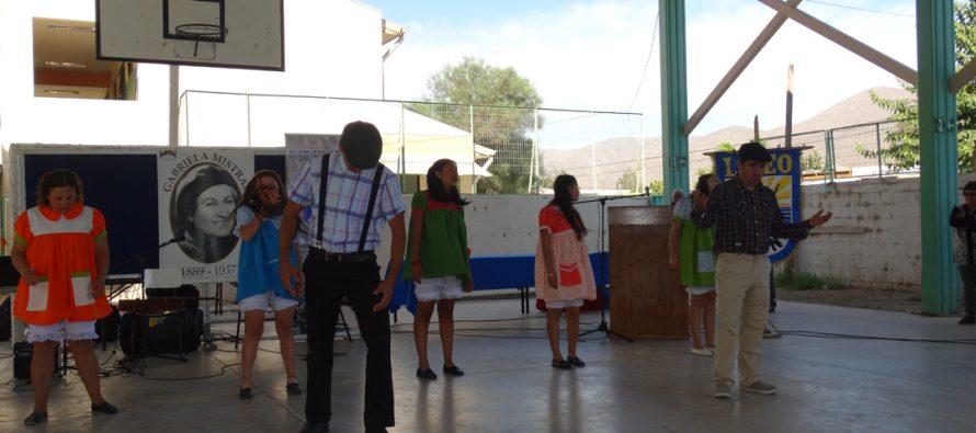 Liceo Carlos Mondaca Cortés conmemoró el natalicio de Gabriela Mistral