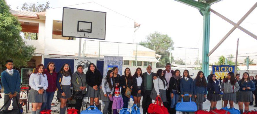 Más de 70 alumnos del Liceo Carlos Mondaca fueron beneficiarios con implementación