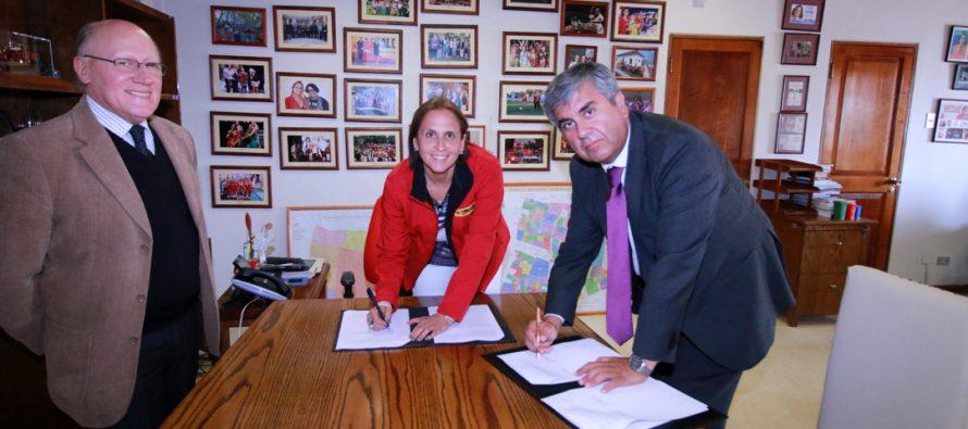 Peñalolén y Vicuña se unen a través de un convenio de colaboración mutua