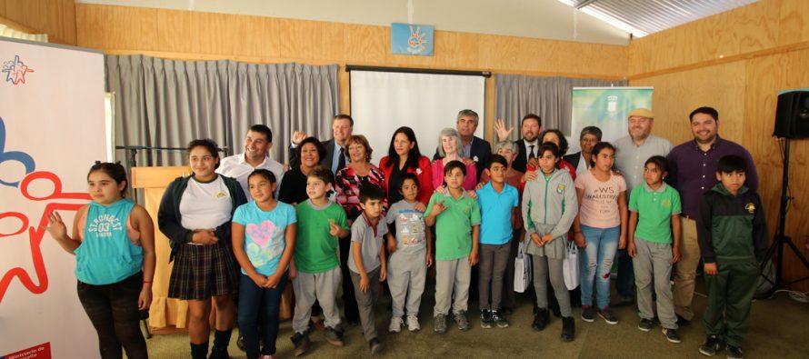 Lanzan programa que abre vínculos educativos entre adultos mayores y niños en Vicuña