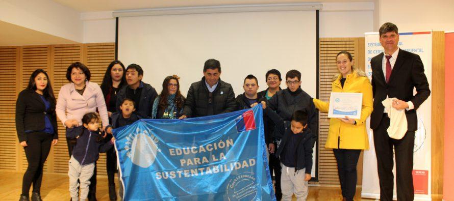 Certifican ambientalmente a escuela Santiago Bueras  de Tres Cruces
