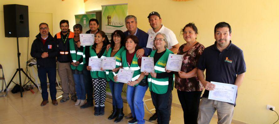 Dirigentes se preparan para ser parte de Equipos Comunitarios de Respuesta Ante Emergencia