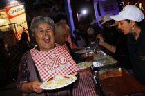 Centenares de vicuñenses disfrutaron tallarinata con la que Carozzi celebra sus 120 años