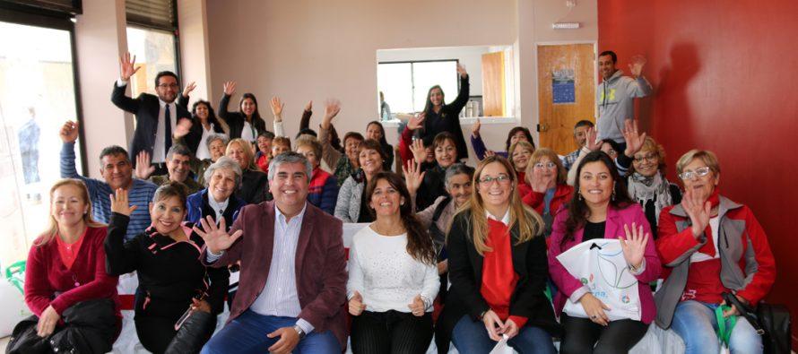 Dirigentes vecinales sanjuaninos y vicuñenses comparten experiencias en encuentro binacional