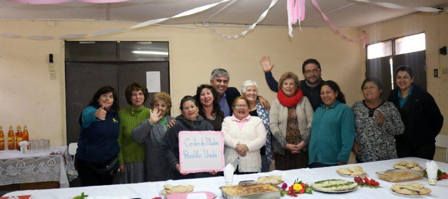 Mujeres de Peralillo realizan muestra gastronómica gracias a la subvención municipal