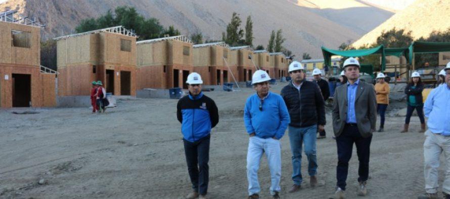 Familias de Paihuano conocen las que serán sus futuras viviendas