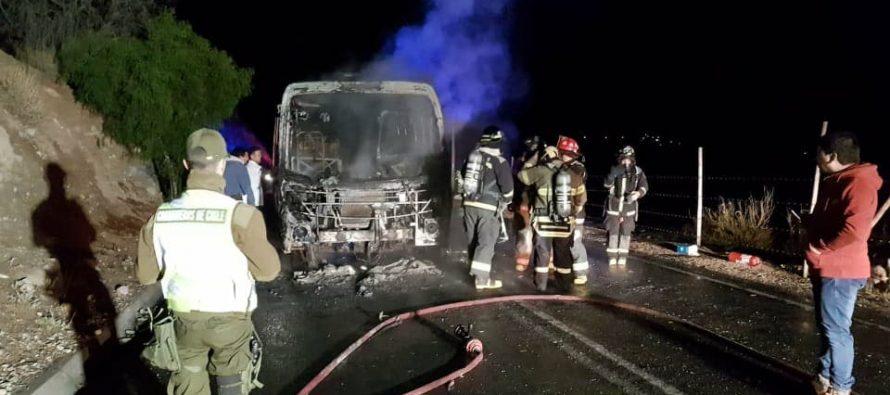 Bus de la empresa Sol de Elqui se quemó en su trayecto a Horcón