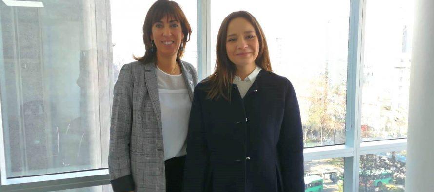 Intendenta Lucía Pinto se reúne con Subsecretaria de Turismo para revisar planificación del Eclipse 2019