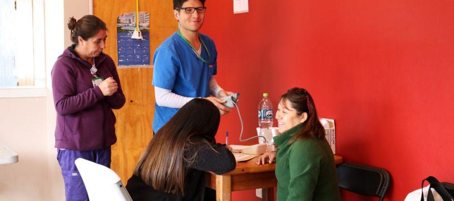 Operativo del EMA llevó profesionales de la salud y la ayuda social a la población Aguas de Elqui