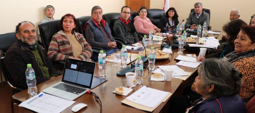 Dirigentes sociales y del agro participan en mesa de desarrollo rural de Vicuña