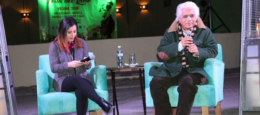 El músico Roberto Bravo presentó su escrito en la 7ma noche de La Feria del Libro en Vicuña