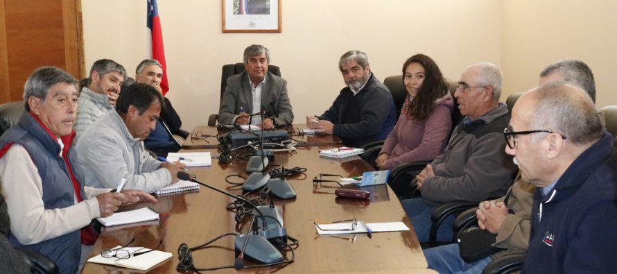 Agricultores vicuñenses se reúnen con autoridades para seguir fortaleciendo trabajo en conjunto