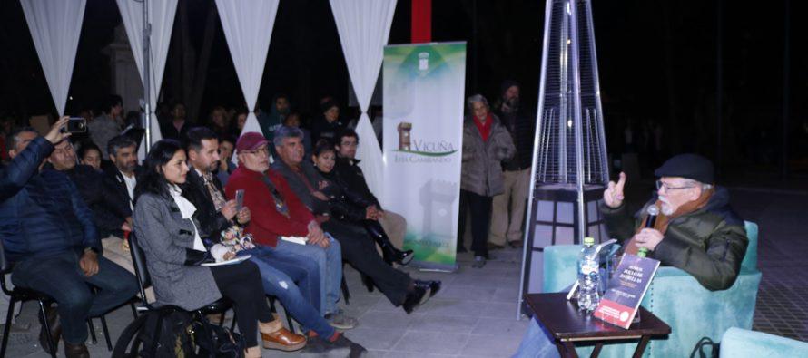 El profesor José Maza acercó la astronomía y la lectura a su público en la Feria del Libro de Vicuña