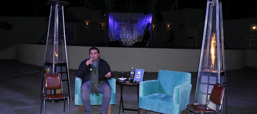 En Vicuña escritor Pedro Cayuqueo presenta libro que releva la historia del pueblo Mapuche