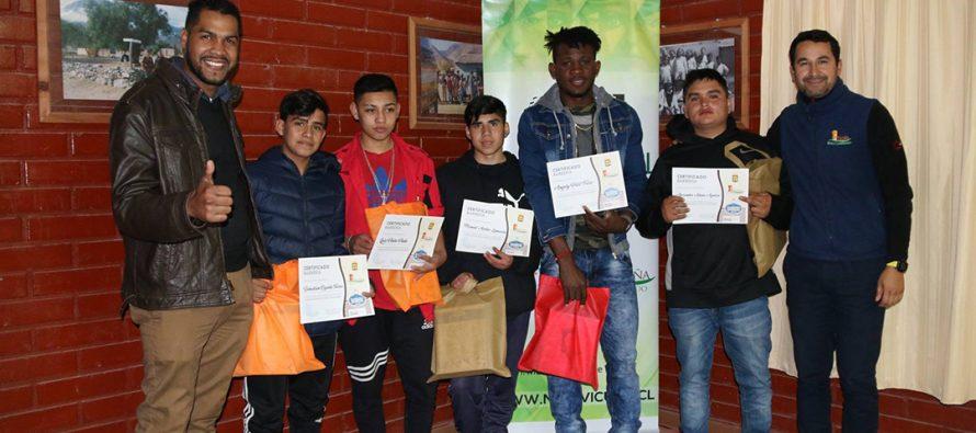 Municipio de Vicuña certifica a 15 Jóvenes elquinos como barberos