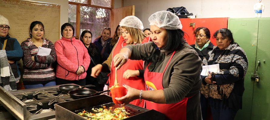 Realizan taller saludable a mujeres de Vicuña que integran la agrupación Guatita de delantal