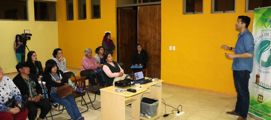 Taller de Educación Financiera benefició a vecinos Río Turbio y Aguas de Elqui de Vicuña