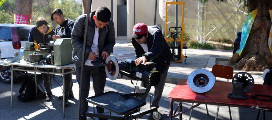 Con una variada muestra a la comunidad el liceo de Vicuña celebró el Día del Técnico Profesional