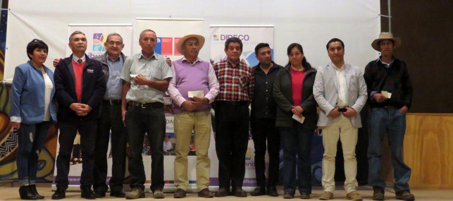 Entregan incentivos a productores de Paihuano que se vieron afectados por las heladas