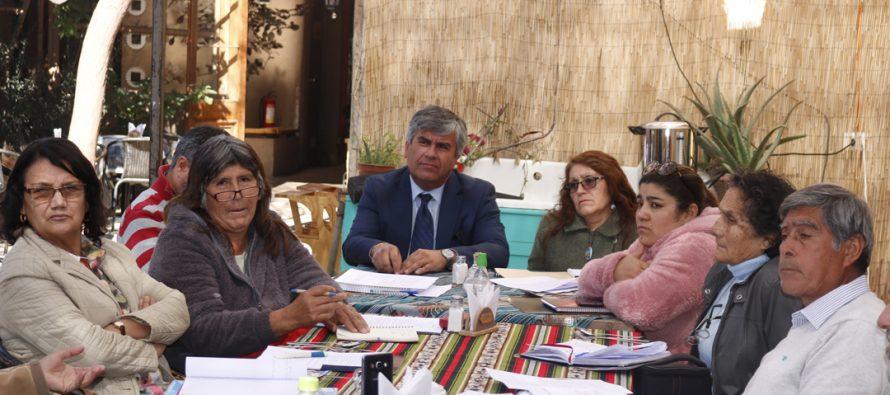 En Vicuña se desarrolla Mesa Rural para avanzar en materias agrícolas y ganaderas