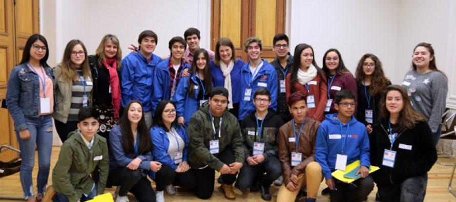 Estudiante de Vicuña participa en Consejo Asesor Nacional de Niños Niñas y Adolescentes en Santiago