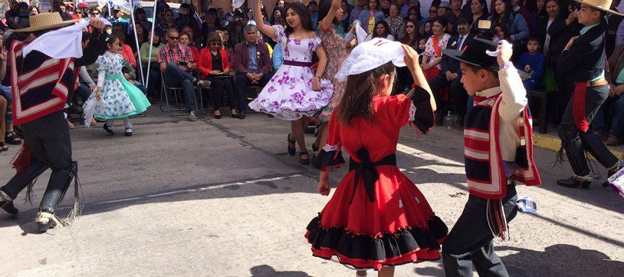 Agrupación vicuñense Amigos de la Cueca conmemoró su 10° aniversario con una impecable gala folclórica