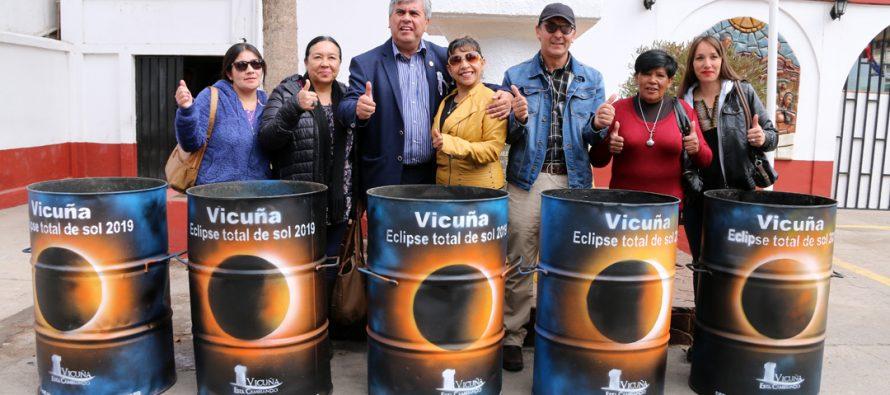 Vicuña se prepara para el eclipse solar con más de 100 recipientes con diseños artísticos