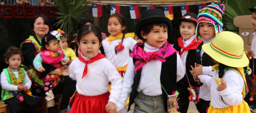 Rayitos Tambinos celebró Fiestas Patrias con jornada junto a autoridades, padres y apoderados