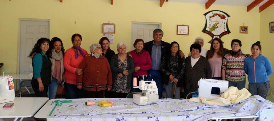 Avanza taller de corte y confección en población Gabriela Mistral de Vicuña