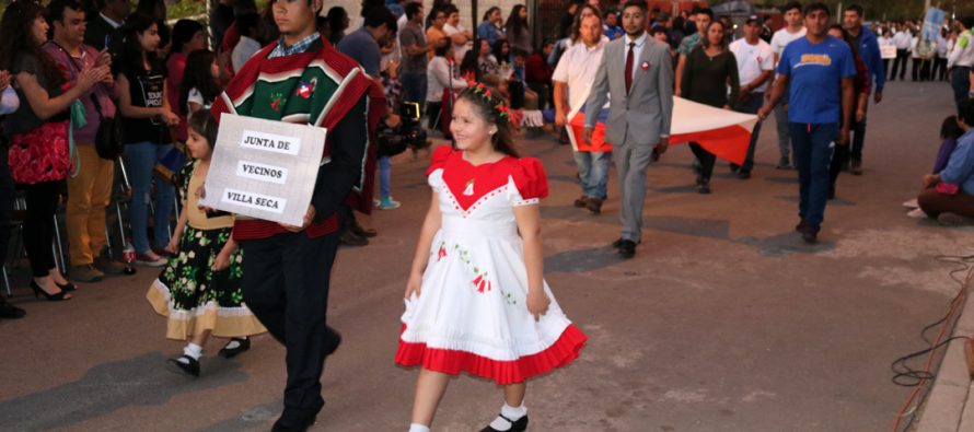 Villaseca da comienzo a los desfiles patrios de las localidades en la comuna de Vicuña