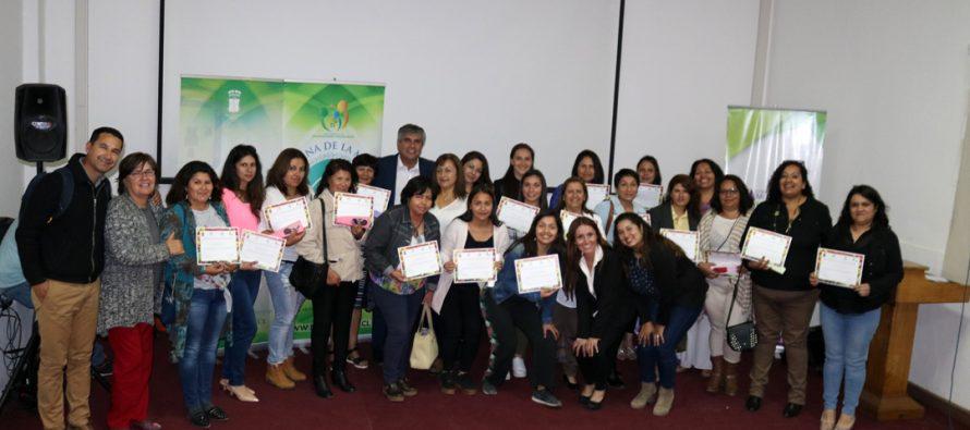 Mujeres de Vicuña se certifican en comida saludable y emprendimiento