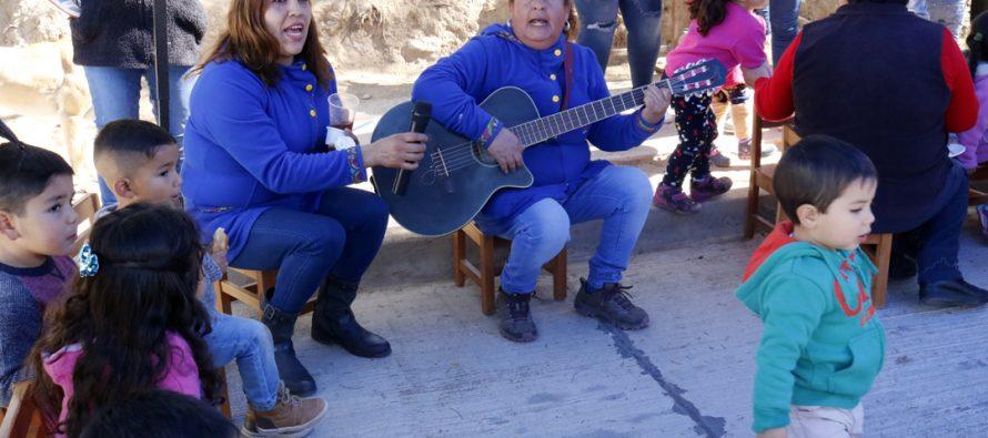 """Jardín Infantil """"Misky Puñuy"""" de Calingasta realiza muestra de platos típicos chilenos a la comunidad"""