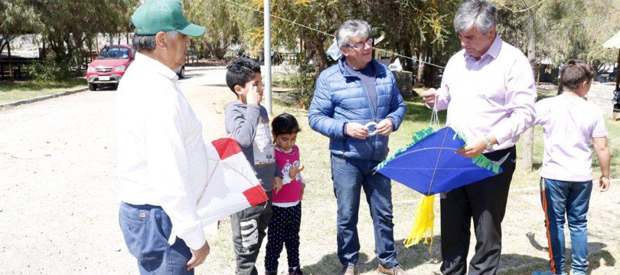 Escuela Lucila Godoy celebra su propia Pampilla en el Parque de Los Pimientos