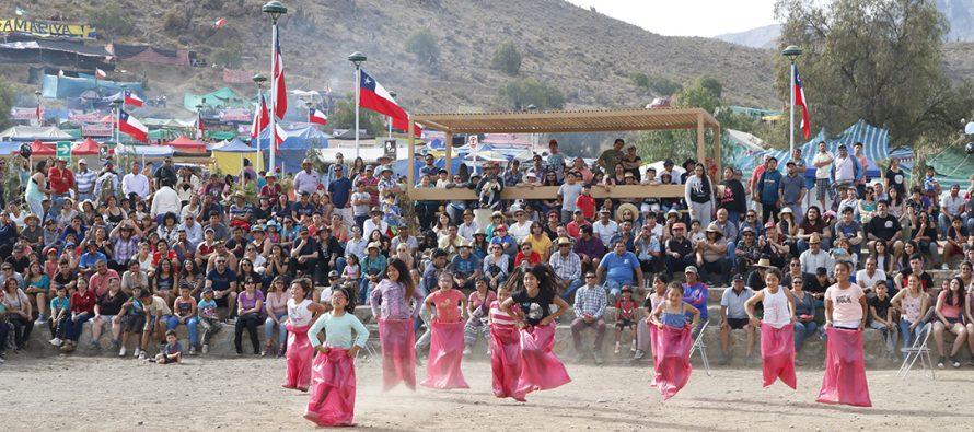 Juegos tradicionales y carreras a la chilena dan vida a las tardes en la Pampilla de San Isidro